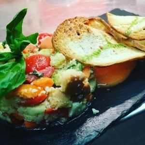 panzanella con spuma di pomodoro